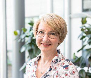 Kuvassa Liisa Tapanainen.